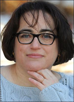 LauraKCurtis author pic